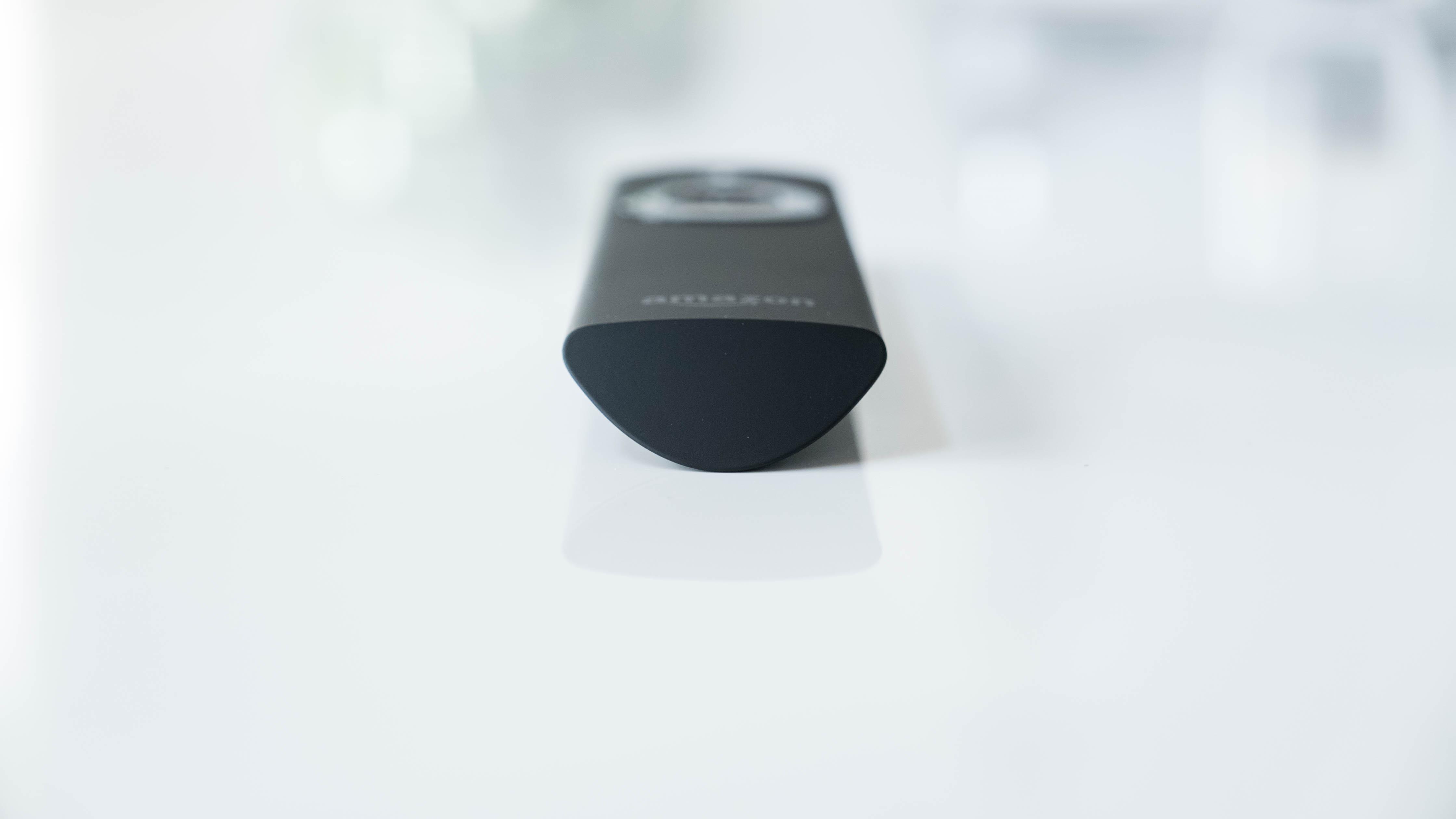 Amazon-Alexa-Sprachfernbedienung-unten