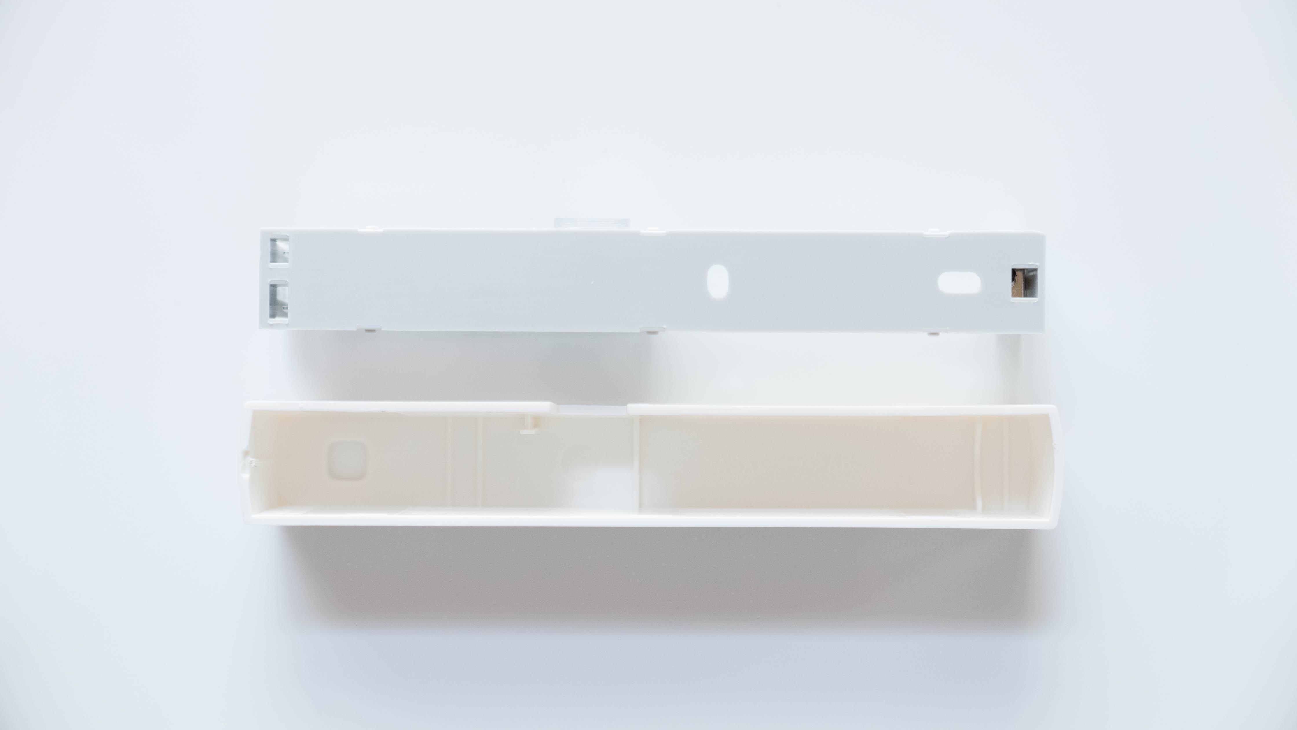 Homematic-IP-Tür-und-Fensterkontakt-zerlegt-hinten