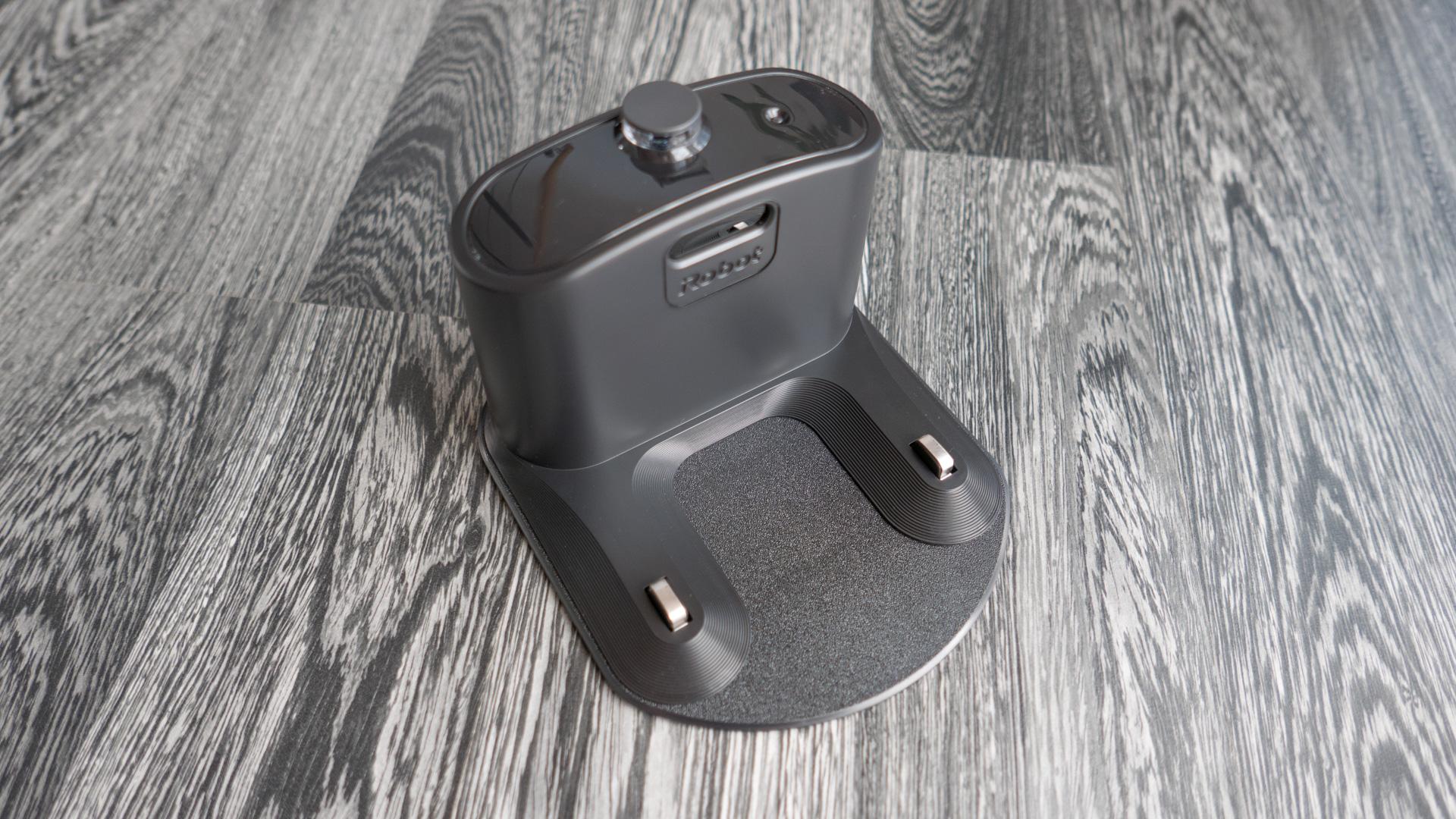 iRobot Roomba 980 Ladestation 01