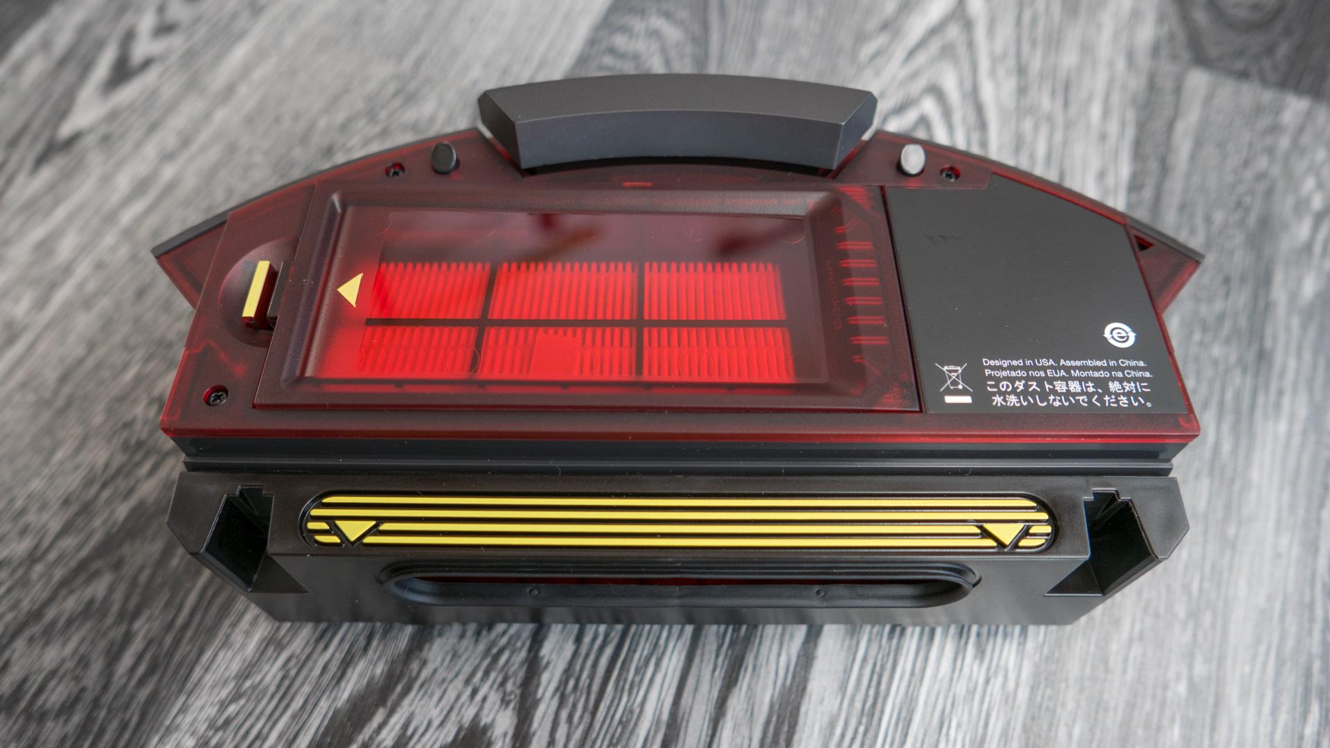 iRobot Roomba 980 Staubbehälter 08