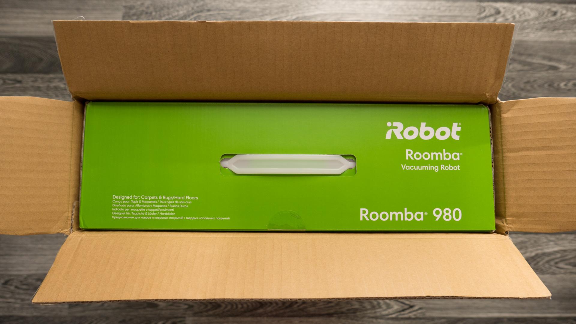 iRobot Roomba 980 Unboxing 02