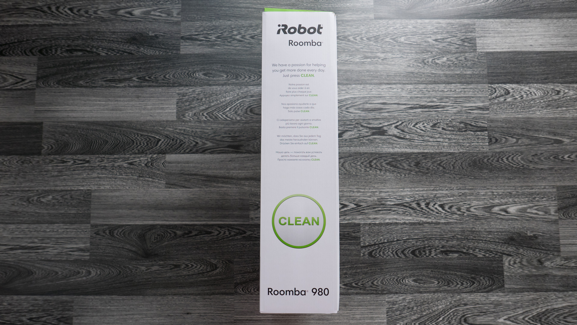 iRobot Roomba 980 Unboxing 06