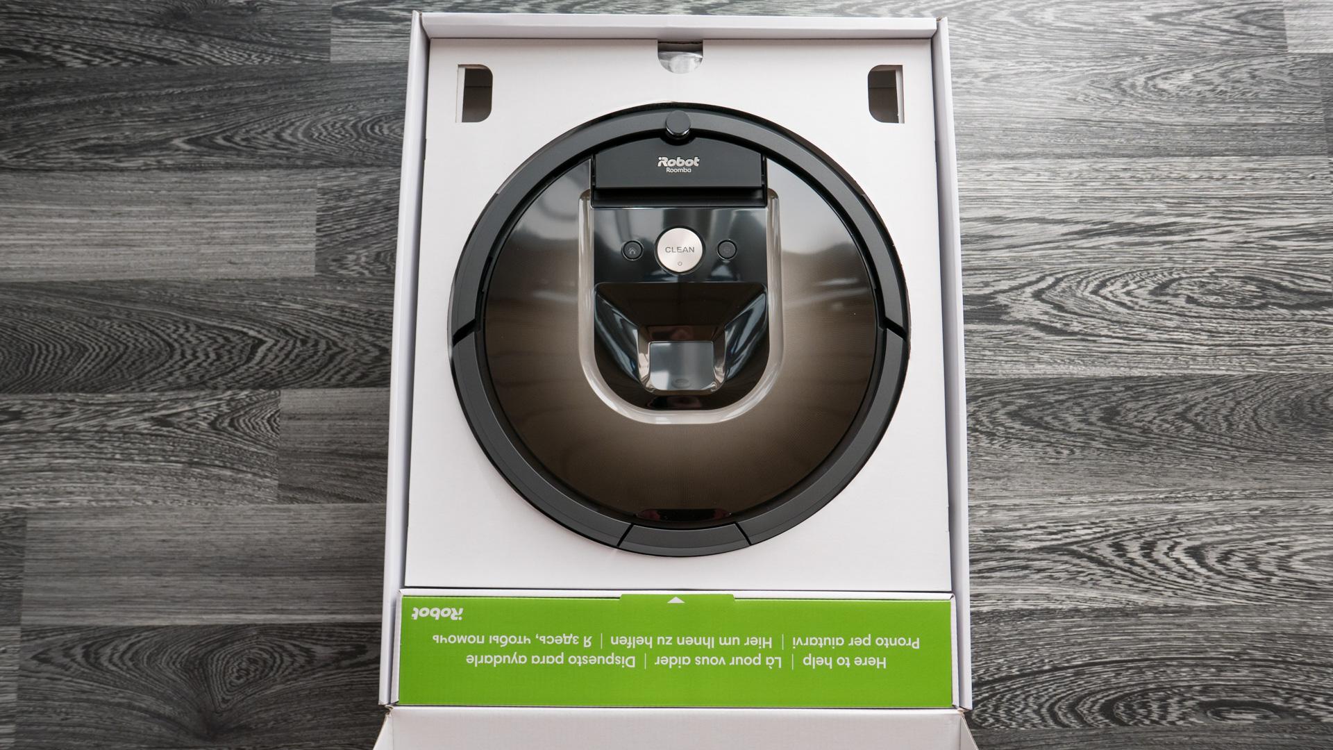 iRobot Roomba 980 Unboxing 07
