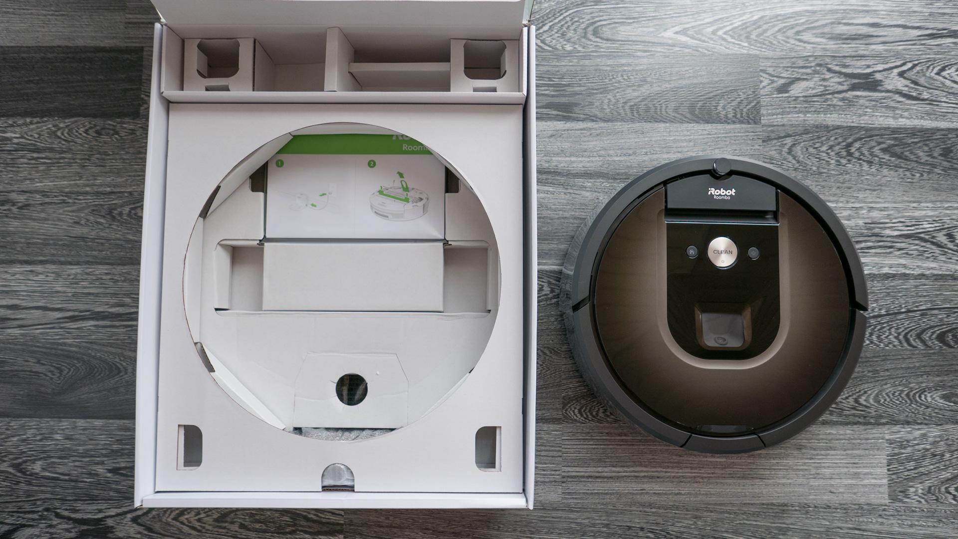 iRobot Roomba 980 Unboxing 12