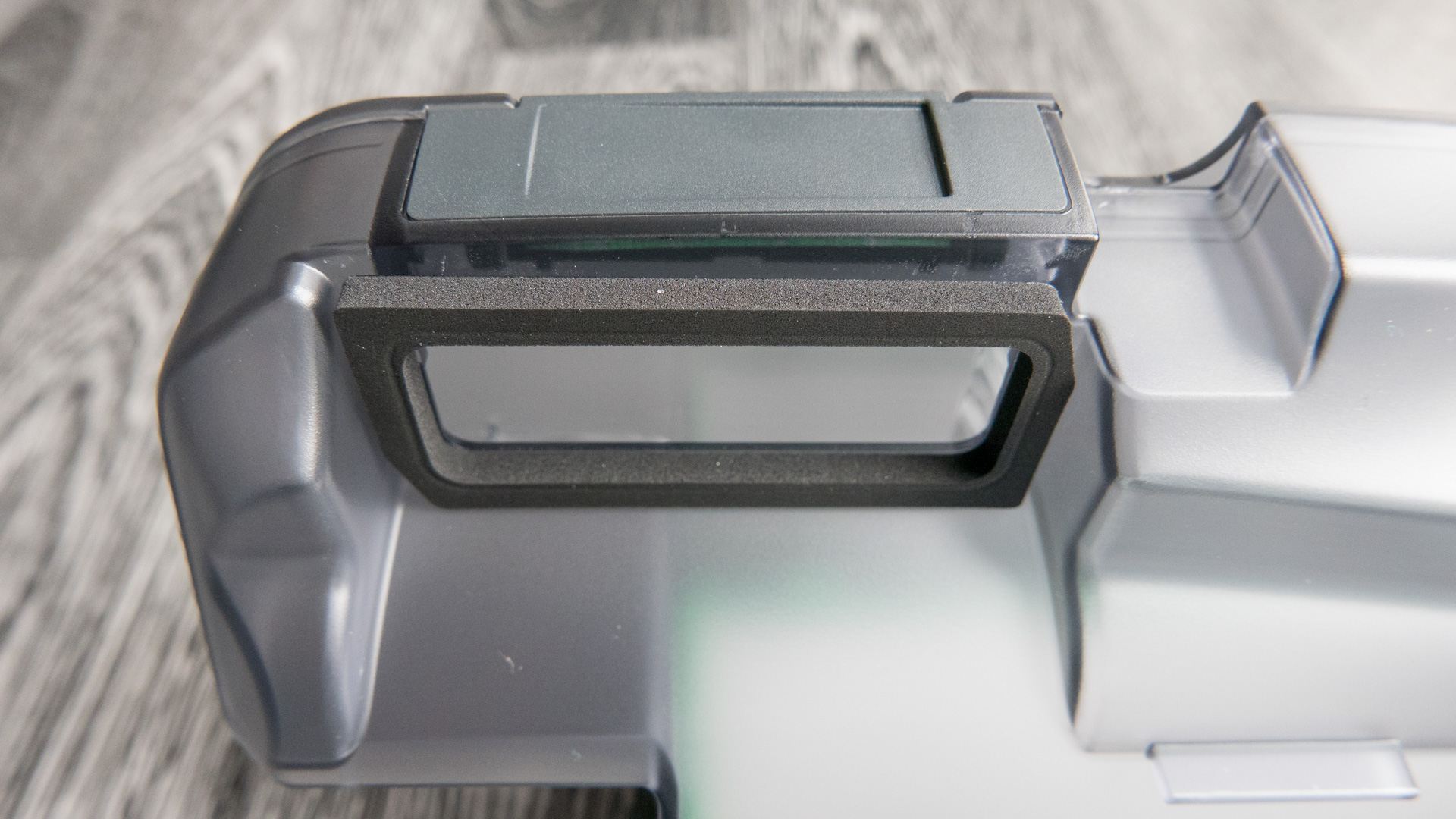 Vorwerk VR200 Staubbehälter 03