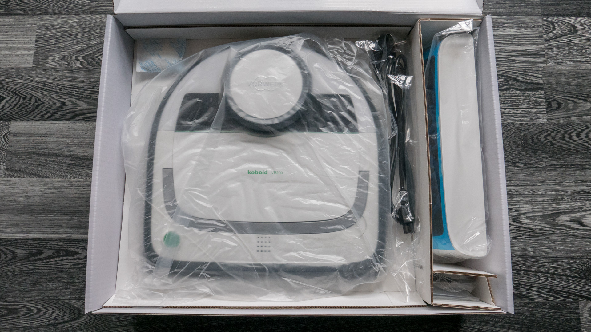 Vorwerk VR200 Unboxing 08