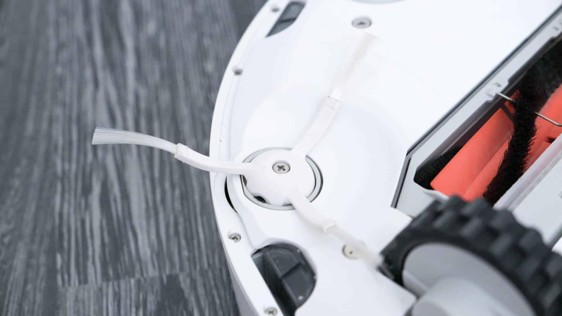 Xiaomi-Mi-Staubsauger-Roboter-im-Test-3er-Bürste-unten