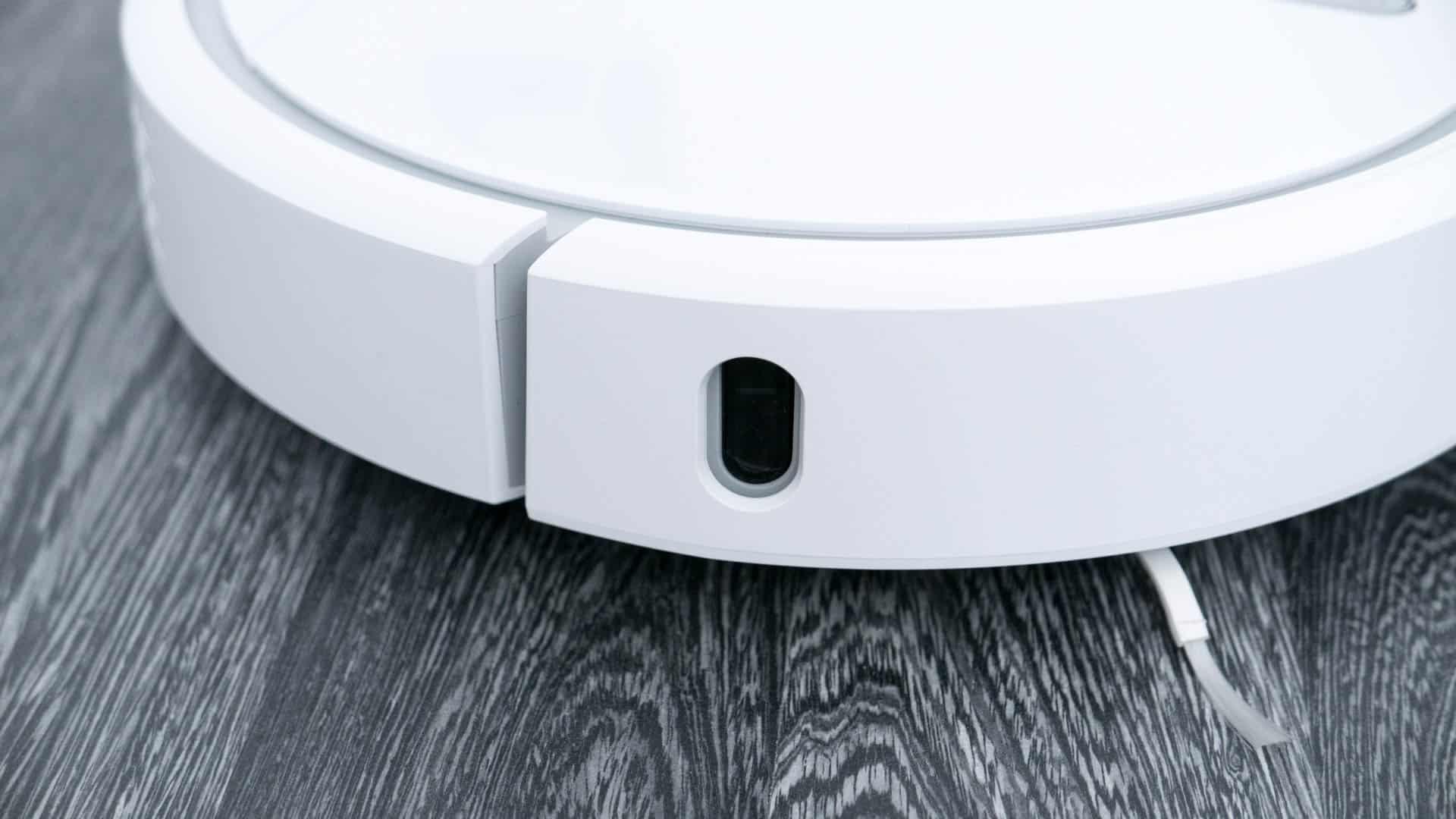 Xiaomi-Mi-Staubsauger-Roboter-im-Test-Sensor-Seite