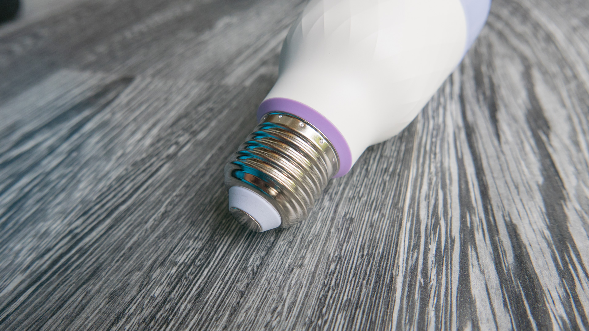 Xiaomi Yeelight Color Bulb Details 03