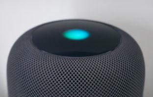 Apple Siri awake