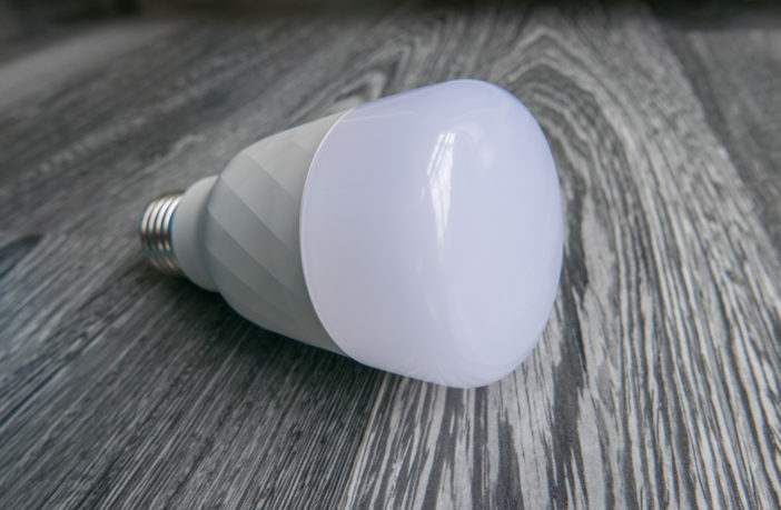 Xiaomi Yeelight Color Bulb Details 04