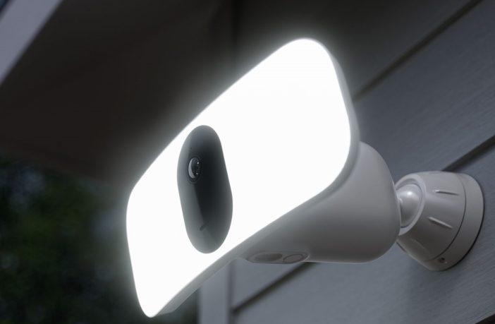 Arlo Pro 3 Flutlicht-Kamera