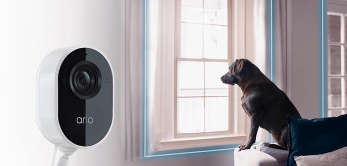 Arlo Essential Indoor Kamera