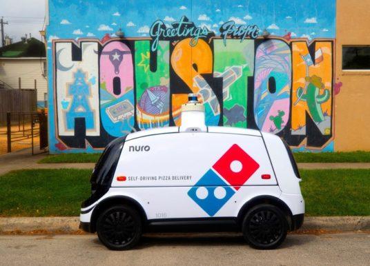 Domino's – Selbstfahrender Roboter liefert Pizza in Houston